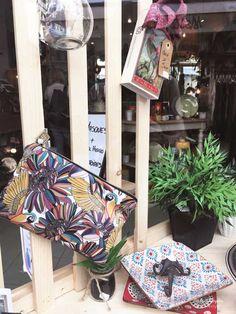 L'Atelier de Cyril, bonne adresse de concept store à Montpellier Kitsch, Boutique Deco, Deco Boheme, Girly, Stores, Messenger Bag, Satchel, Bags, Cute Stuff