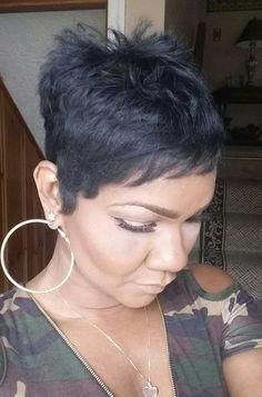 """How to style the Pixie cut? Despite what we think of short cuts , it is possible to play with his hair and to style his Pixie cut as he pleases. For a hairstyle with a """"so chic"""" and pointed… Continue Reading → Short Sassy Hair, Short Hair Cuts, Short Hair Styles, Pixie Cuts, Pixie Styles, Short Relaxed Hairstyles, Short Pixie Haircuts, Pixie Hairstyles, Haircut Short"""