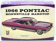 Rare VINTAGE MPC 1966 PONTIAC BONNEVILLE HARDTOP 1/25 SCALE MODEL CAR KIT 9-200…