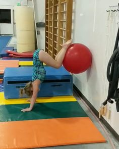 Hollow holds for days! Hollow holds for days! Related posts:This Gentle Yoga Sequence Will Give You the Deepest Stretch in Your Hamstrings stimulating yoga poses for the ultimate stretch and spread of the. Gymnastics Lessons, Preschool Gymnastics, Gymnastics Coaching, Gymnastics Training, Gymnastics Workout, Sport Gymnastics, Olympic Gymnastics, Rhythmic Gymnastics, Gymnastics Stuff