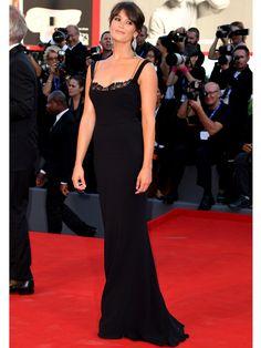 Auch in Schwarz und ebenfalls mit Chopard behängt: Schauspielerin Gemma Arterton…