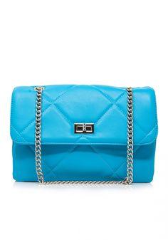 Τσάντα ώμουMiss Pinky μεγάλη καπιτονέ τύπου Chanel. Ητσάντα ώμουείναι από καπιτονέ υλικό. Είναι η νέαtrendy τσάνταπου δεν πρέπει να λείπει από την συλλογή σου Continental Wallet, Chanel, Womens Fashion, Bags, Handbags, Women's Fashion, Woman Fashion, Bag, Totes