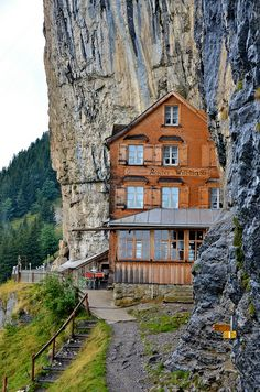 Switzerland Travel Guide Resources & Trip Planning Info by Rick Steves Beautiful Places To Visit, Wonderful Places, Around The World In 80 Days, Around The Worlds, Places To Travel, Places To See, Switzerland Travel Guide, Visit Switzerland, Europe Centrale