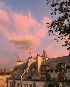 """""""Pink sunsets in Paris"""" Sky Aesthetic, Travel Aesthetic, Aesthetic Photo, Aesthetic Pictures, Arquitectura Wallpaper, Images Esthétiques, Pretty Sky, Paris Ville, Belle Photo"""