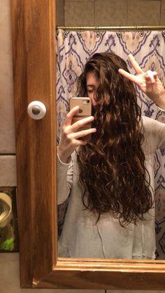 Curly hair Source by Natural Wavy Hair, Natural Hair Styles, Curly Wavy Hair, Haircuts For Wavy Hair, Cut My Hair, Light Hair, Dream Hair, Hair Dos, Hair Inspiration