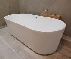 Vrijstaand bad van acryl uit de Primo serie van Luca Sanitair