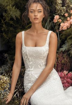 2020 Collection - Lihi Hod Source by hod Classic Wedding Dress, Dream Wedding Dresses, Bridal Dresses, Gown Wedding, Square Wedding Dress, Delicate Wedding Dress, French Wedding Dress, Art Deco Wedding Dress, Lace Wedding