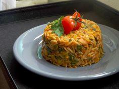 Orez Cu Spanac și Sos De Roșii Arancini, Romanian Food, Healthy Recipes, Healthy Meals, Spaghetti, Vegetarian, Vegan, Ethnic Recipes, Risotto