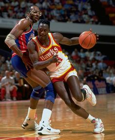 Classic SI Photos of Dominique Wilkins Los Angeles Clippers, Atlanta Hawks, Detroit Pistons, Basketball Legends, Basketball Players, Dominique Wilkins, Portable Basketball Hoop, Golf, Basketball Pictures
