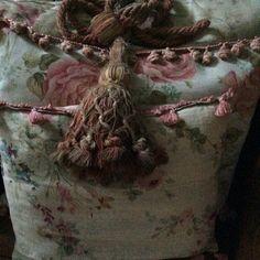 Cl Old Pillows, Cushions, Passementerie, Cottage Interiors, White Cottage, Dream Catcher, Places To Visit, Textiles, Cl