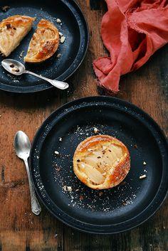 Tartelettes aux poires & à la crème d'amande