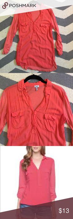 Splendid Coral Double Pocket Henley Shirt Coral pink Splendid Henley Pocket tee great condition. Splendid Tops