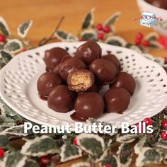Peanut butter balls Peanut butter balls are a quick and easy dessert recipe that anyone can make and everyone will love! Learn how to make peanut butter balls in this video! Holiday Baking, Christmas Baking, Christmas Desserts, Christmas Candy, Xmas, Candy Recipes, Sweet Recipes, Holiday Recipes, Easy Desert Recipes
