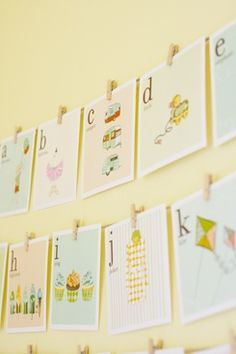 These vintage-style alphabet cards are not only printable, they're FREE! Cute to frame and decorate nursery with