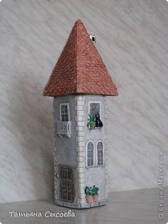 Декор предметов Поделка изделие Лепка Роспись Старый дом  Бутылки стеклянные Глина фото 1