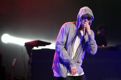"""Eminem Shares Behind The Scenes Footage Of """"River"""" Video  