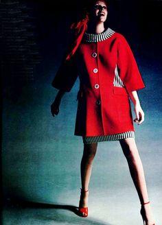 1972 L'officiel magazine Louis Feraud coat