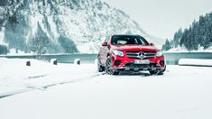 Let's play in the snow with the Mercedes-benz GLC.  Photo by Dennis Wierenga (www.denniswierenga.com) for #MBsocialcar