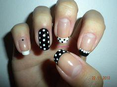 Vintage Dots paznokcie french w kropki