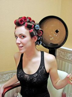 Vintage Hairstyles, Up Hairstyles, New Perm, Vintage Hair Salons, Baby Bikini, Hair And Beauty Salon, Roller Set, Curlers, Beauty Shop
