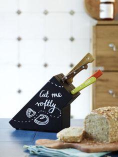 Der alte Messerblock kann einen neuen Anstrich vertragen? Dann haben wir hier genau die richtige DIY-Idee für Sie!