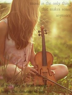relaxing under the sun with a violin and in a cute outfit! Senior picture idea with violin. Senior picture pose with violin. Violin Photography, Senior Photography, Sweets Photography, Musician Photography, Passion Photography, Photography Ideas, Senior Photos, Senior Portraits, Violin Senior Pictures