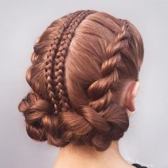 hairstyles round face hairstyles simple hairstyles using human hair hairstyles black women hairstyles black girl hairstyles drawing braided hairstyles 2018 bun hairstyles african american Box Braids Hairstyles, Wedding Hairstyles, Cool Hairstyles, Bun Hairstyle, Hairstyles 2018, Ponytail Haircut, Perfect Hairstyle, Ethnic Hairstyles, Hairstyles Pictures