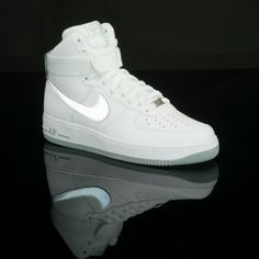 new product 030d5 8e29d A classic court shoe gets a reflective swoosh. Get the Nike AF1 High at