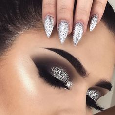 Silver glitter eye makeup, silver eyeshadow looks, glitter makeup looks, smokey eye with Black Eye Makeup, Eye Makeup Tips, Makeup Goals, Makeup Inspo, Makeup Inspiration, Hair Makeup, Makeup Ideas, Silver Glitter Eye Makeup, Silver Smokey Eye