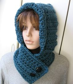 Risultato immagini per crochet hooded neck warmer Crochet Hooded Scarf, Crochet Scarves, Crochet Shawl, Crochet Clothes, Crochet Stitches, Knit Crochet, Crochet Patterns, Hooded Scarf Pattern, Hooded Cowl