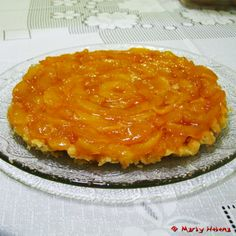 French classic dessert that originated in the city of Lamotte-Breuvon, south of Orleans, in the Loire. After the death of Jean Tatin, owner. Sweet Recipes, Cake Recipes, Healthy Recipes, Cheesecakes, Fruit Paradise, Mousse, Bread Cake, Just Cakes, Portuguese Recipes