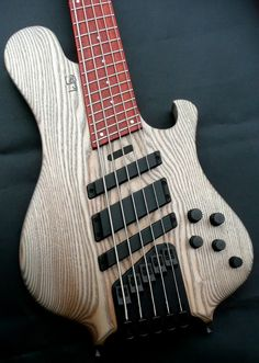 Le Fay Pangton Fan Fret 5 string electric bass guitar | Luthiers Access Group