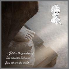 Giulietta è la custode di messaggi d'amore che arrivano da tutto il mondo. ##julietsecrets #casadigiulietta #juliethouse #secrets #lovers @julietsecrets