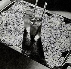 Sundial Tray Mat crochet pattern originally published in Modern Table Settings, Spool Cotton Book 88. #crochetpatterns