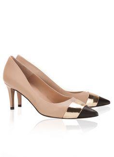 Pura Lopez Erlene- Zapatos de con punta fina y tacón medio. Realizados en piel color nude, negro y oro.