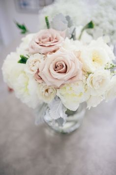 Love this simple and elegant rose bouquet for the bride's flowers | Photograph by Clarence Chan Photography