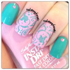 love the colour combo on these nails