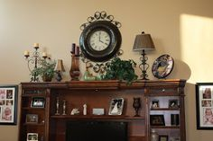 Entertainment center decor - Home: Make It! Top Of Cabinets, Above Kitchen Cabinets, My Living Room, Living Room Decor, Tv Stand Decor, Tuscan Decorating, Decorating Ideas, Decor Ideas, Entertainment Center Decor