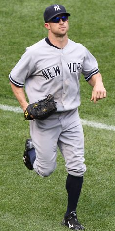 mmm, Brett Gardner (aka fielder for the NYY & graduate from College of Charleston) **happy face** Yankees Baby, Damn Yankees, Yankees News, New York Yankees Baseball, Baseball Season, Baseball Players, Mlb Players, Baseball Cleats, Yankees Pictures