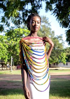 Emerging Ghanaian accessories designer Aphia Sakyi's latest collection is a catch of statement neckpieces with obvious afrocentric influences. African Inspired Fashion, African Print Fashion, Fashion Prints, African Accessories, Fashion Accessories, Black Girls Power, Afro, Fabric Jewelry, African Attire