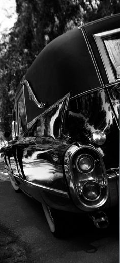 Use to think that a Hearse would be my future car! Aha, I must have been a screwed up child! My Dream Car, Dream Cars, Flower Car, Us Cars, Black Is Beautiful, Funeral, Cool Cars, Classic Cars, Death