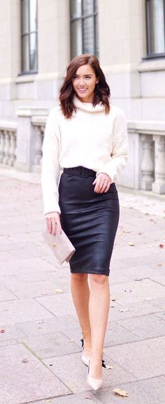 CUTEST SKIRT/SWEATER COMBO!! Need a midi pencil skirt and cozy turtleneck knit! Looks cute for fall & winter (holidays too) Marie Ernst of Marie's Bazaar shows how to style a comfortable & chic outfit with Le Chateau faux leather skirt & Windsor soft knit