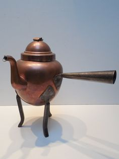 hand made circa 20s SWEDISH copper tea pot, unused with fully TINNED INTERIOR and hammered iron legs, handle.