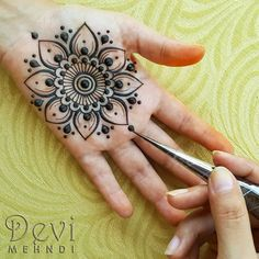 Hello to all my henna sisters! Hope that you have had a wonderful weekend!