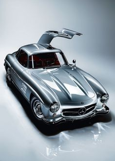1955 Mercedes-Benz 300 SL Maintenance of old vehicles: the material for new cogs/casters/gears could be cast polyamide which I (Cast polyamide) can produce