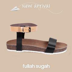 Δερμάτινα footbed σανδάλια   24461073 #fashion #sandals #trends #fullahsugah #fullah_sugah #shopping