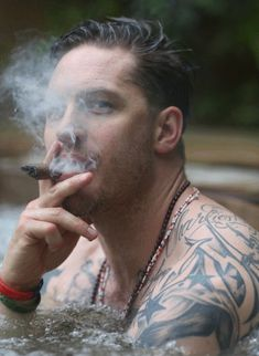 Tom Hardy gif ❤❤❤❤ cigar shirtless muscles tattoos hot tub Jacuzzi sexy HOT