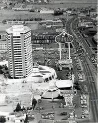 Las Vegas Strip Arial View of the Dunes Las Vegas Blvd, Las Vegas Strip, Las Vegas Nevada, Vegas 2, Vegas Casino, Old Pictures, Old Photos, Vintage Photos, Atlantic City Casino