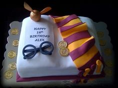 harry potter glasses and scarf Harry Potter Birthday Cake, Harry Potter Cake, Harry Potter Tumblr, Harry Potter Snitch, Harry Potter Glasses, Happy 16th Birthday, 6th Birthday Parties, Harry Potter Baby Shower, Cupcake Cookies
