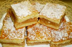 Omlós almáspite - ahogy nagymamáink is készítették Croatian Recipes, Hungarian Recipes, My Recipes, Cake Recipes, Hungarian Cake, Cake Cookies, Cornbread, Goodies, Sweets